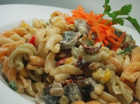 Βίδες με λαχανικά και μαγιονέζα
